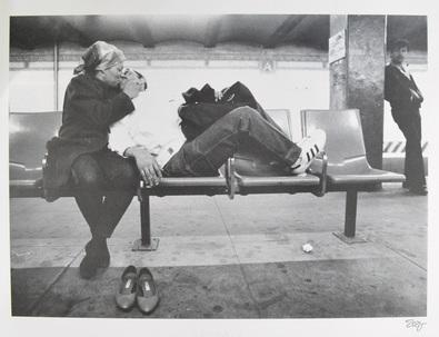 Shlomo Ben-Yaacov Paerchen auf der Bank in der Ubahn in N.Y.C.