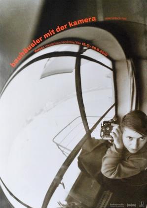 Marianne Brandt Bauhaeusler mit Kamera  - Ausstellungsplakat