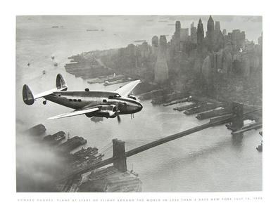 Howard Hughes Plane at start of flight ...