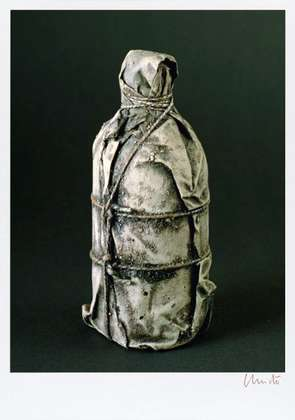 Christo Wrapped Bottle 1958 (signiert)
