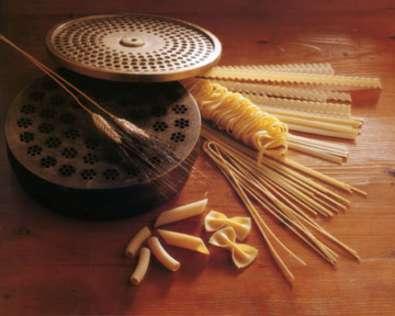 Riccardo Marcialis Pasta auf Tisch