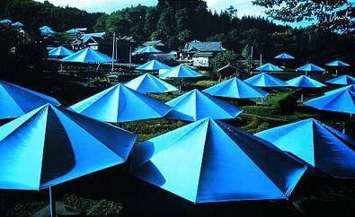 Christo und Jeanne-Claude Umbrellas Blau Nr. 12, 1991, handsigniert